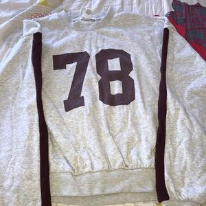 FOREVER 21 MAROON AND GREY SWEATER ! 😆
